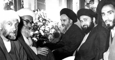 دیدار مردم با امام پس از بازگشت به قم