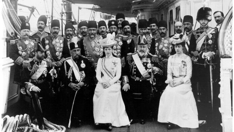 خاطرات تاجالسلطنه، خواهر مظفرالدین شاه؛ ۶  کیلو پودر خارشزا سوغات فرنگی شاه!