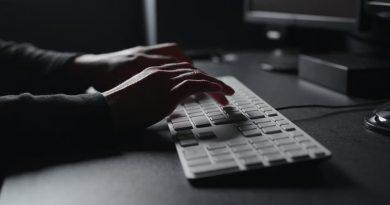 نقش وزارت اطلاعات در جذب تکنولوژی برای کشور