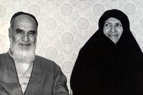 اولین و آخرین گفتگوی تفصیلی و خواندنی با همسر امام خمینی؛ در ماجرای اعدام نواب صفوی، آقا رفتند پیش آقای بروجردی، ولی ایشان گفتند، دخالت نمیکنم