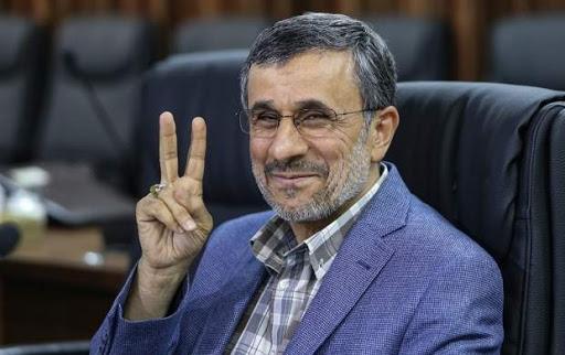 محمود احمدی نژاد: «من دور دوم کارد را می گذارم کمر کیک»